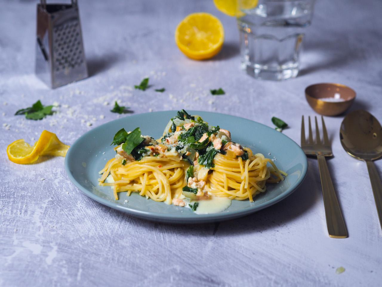 Lachsspaghetti mit frischem Bärlauch