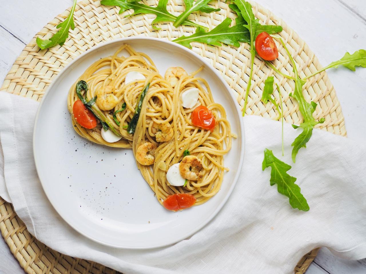 Spaghetti mit Kräuter-Scampi und Rucola
