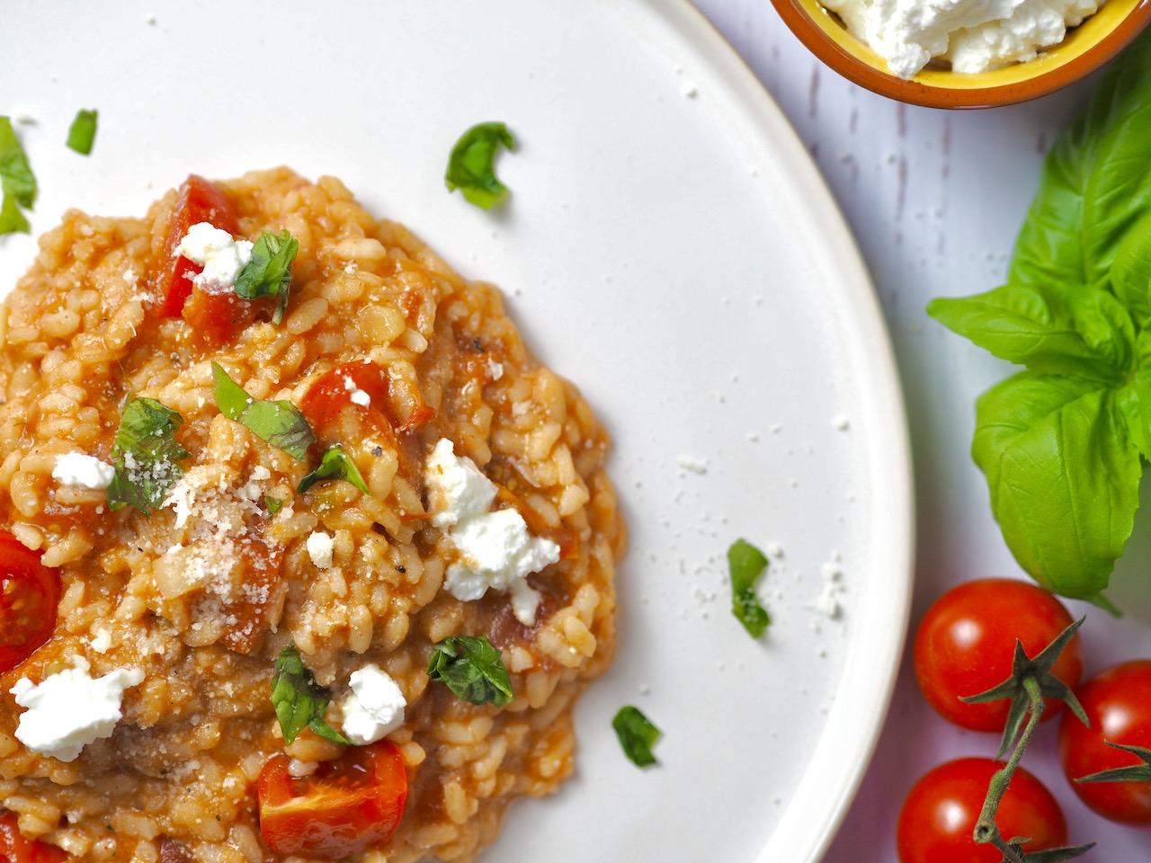 Tomaten – Ricotta Risotto mit Basilikum